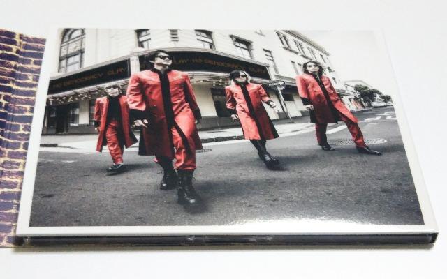 GLAYのアルバム「NO DEMOCRACY」3